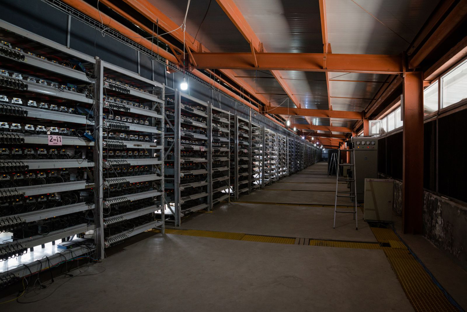 Image Source: https://qz.com/1055126/photos-china-has-one-of-worlds-largest-bitcoin-mines/
