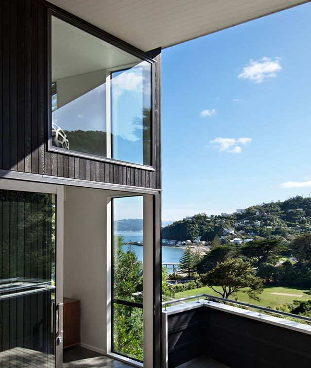 You can't beat Welly on a good day! Views from our Days Bay house. ☀️💛 #slessorarchitects #wellingtonnz #architecturenz #daysbay