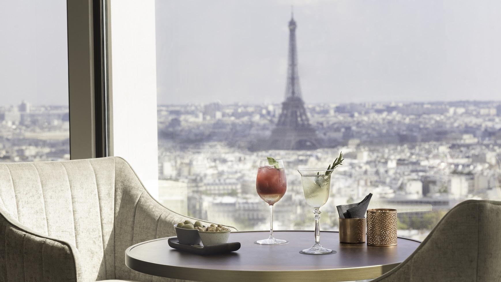 Hyatt-Regency-Paris-Etoile-Windo-View.jpg