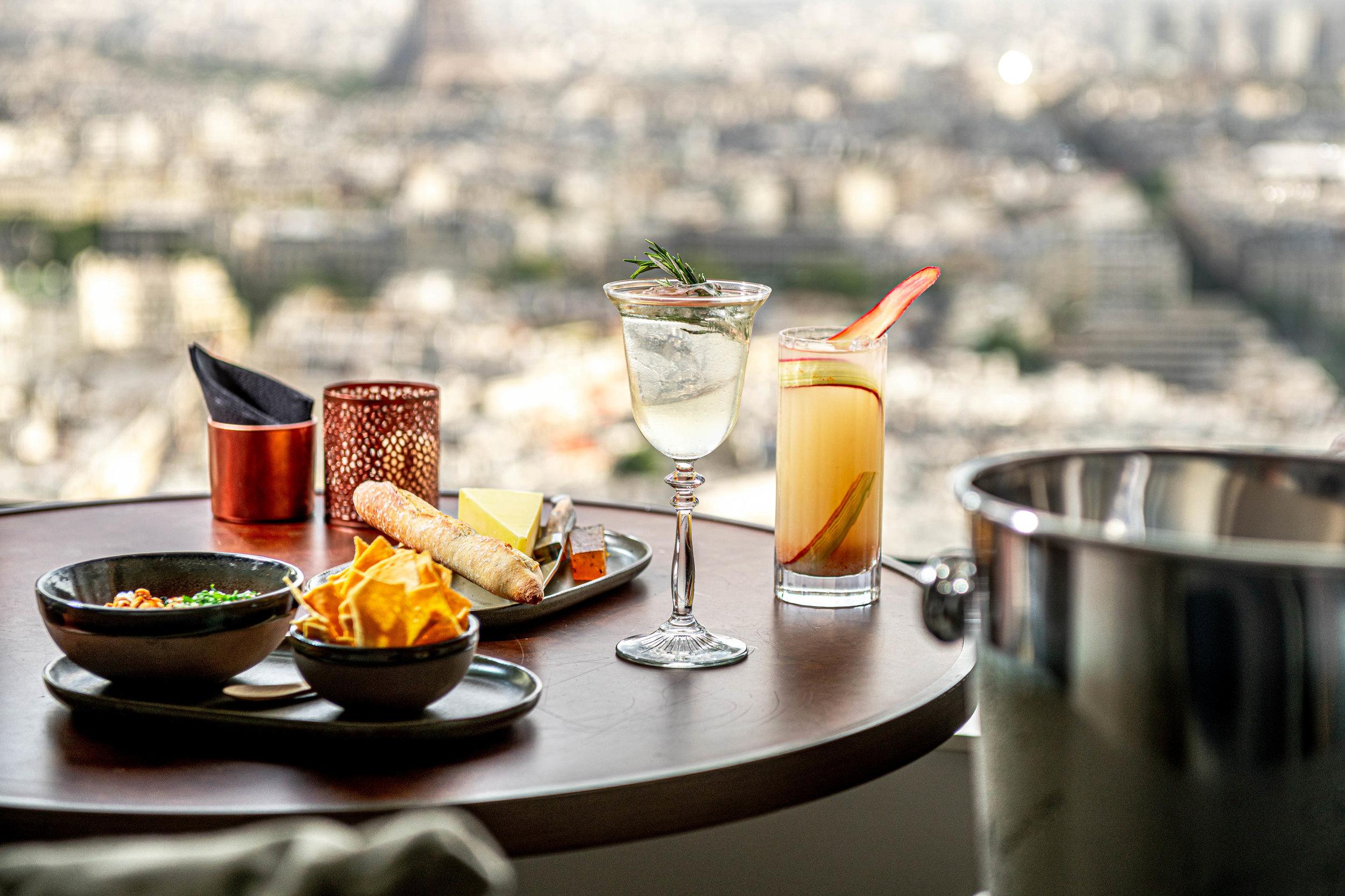 Hyatt-Regency-Paris-Etoile-Cocktails-Tapas-Pairing-Horizontal-Bis.jpg