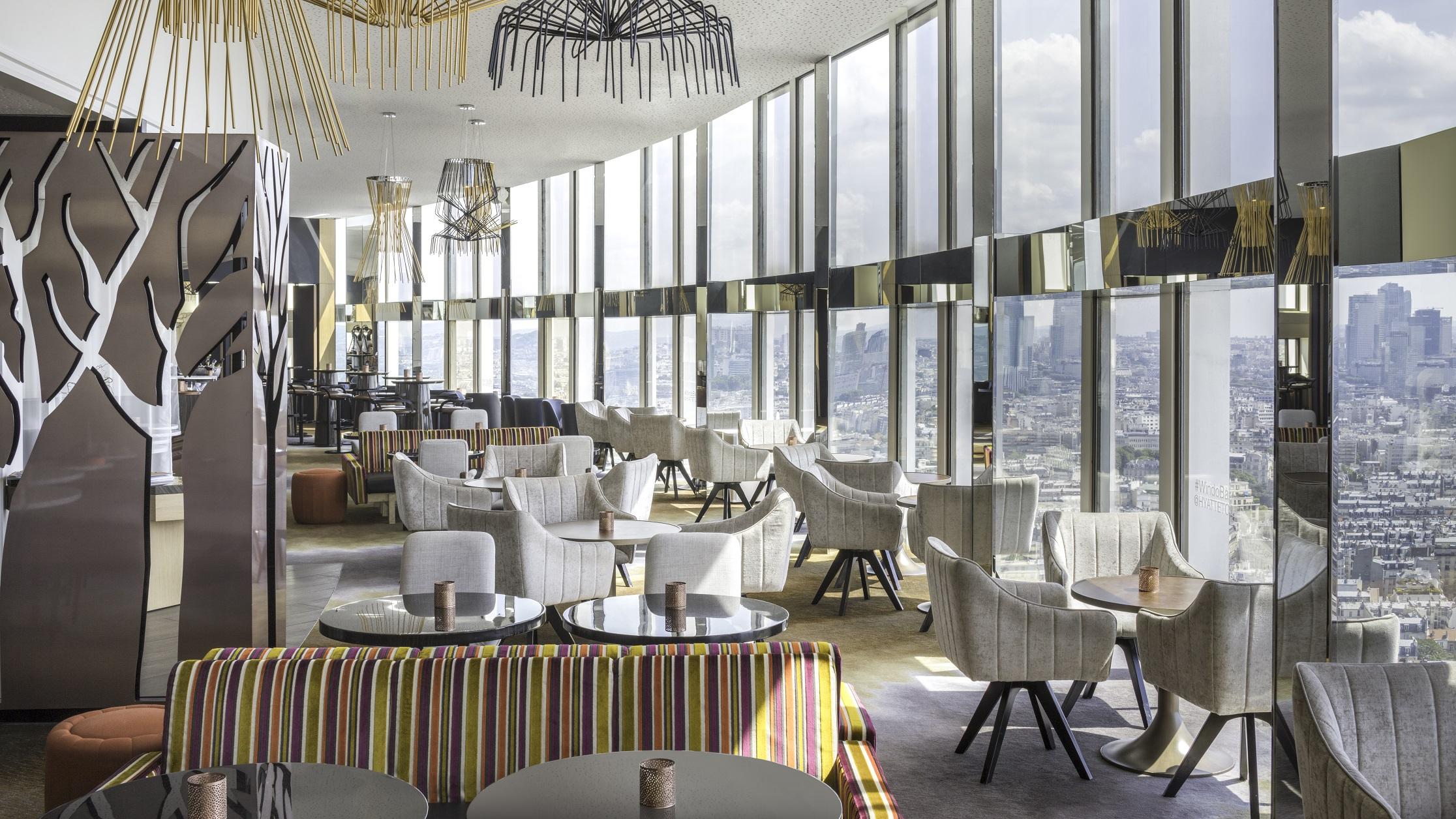 Hyatt-Regency-Paris-Etoile-Windo-Skybar-4.jpg