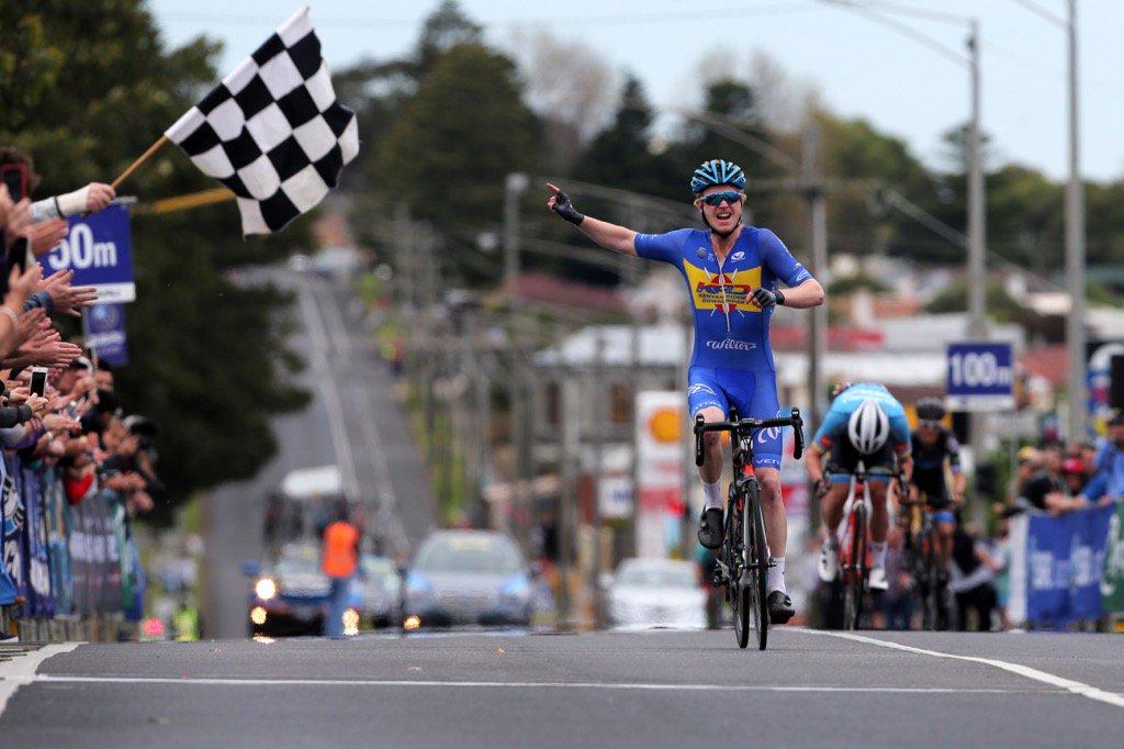 Nathan Elliott winning the 2016 Melbourne-Warrnambool