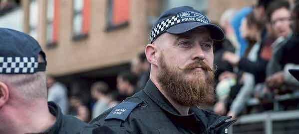 Relooker un policier