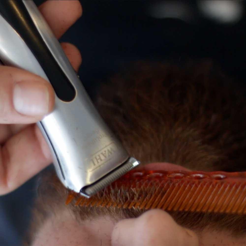 Echos-des-barbiers-academy-Barbe-Graphique-07.jpg