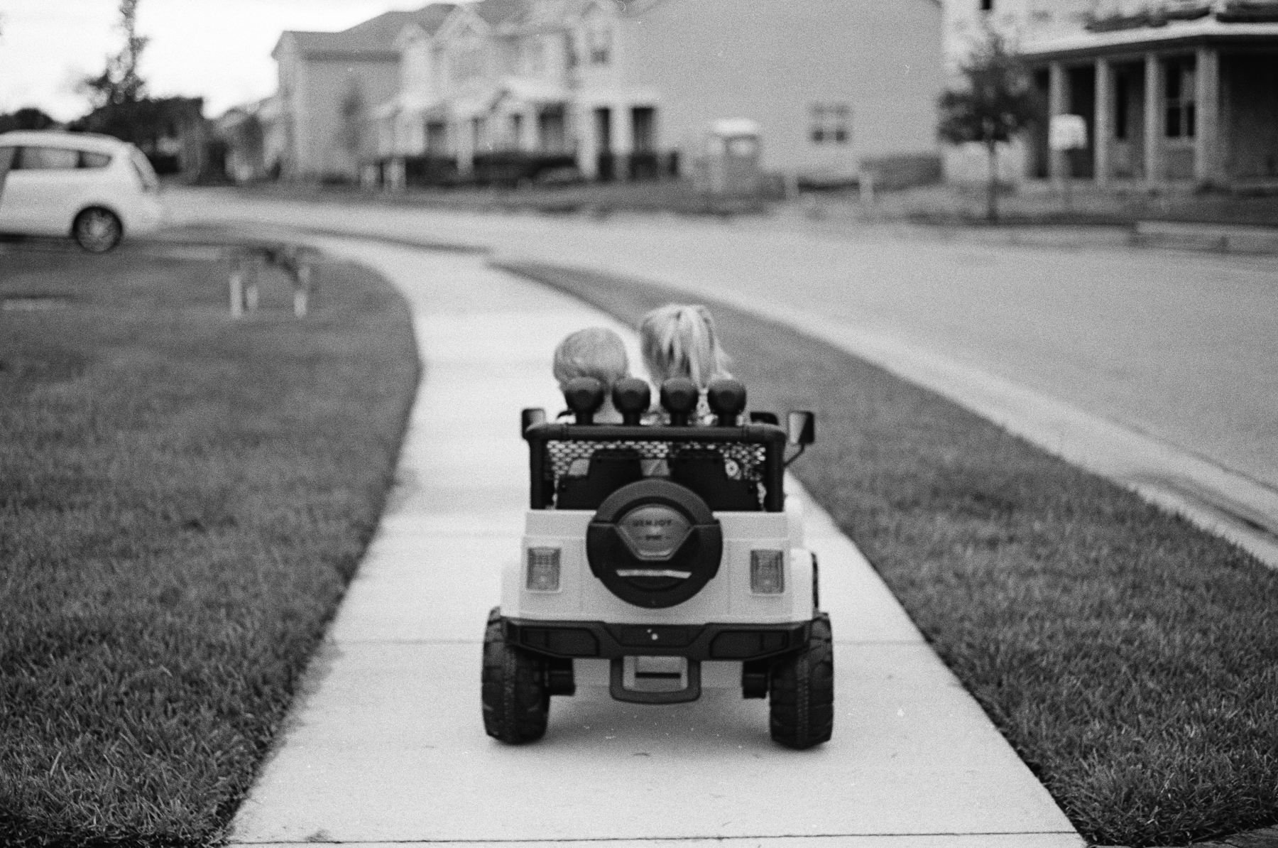 TriX-400-Kids-Jeeping-8.jpg