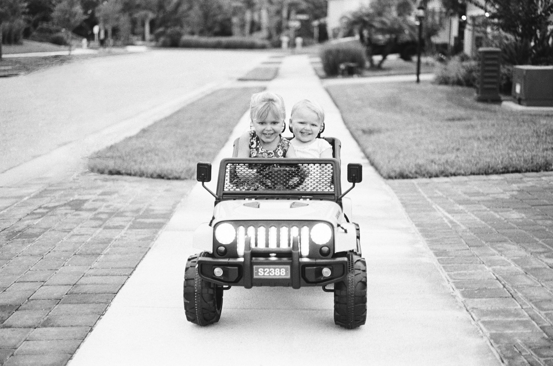 TriX-400-Kids-Jeeping-12-Edit.jpg