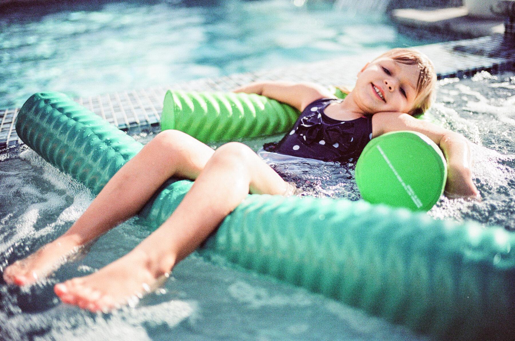 Leica-M6-Pool-Chloe-6.jpg