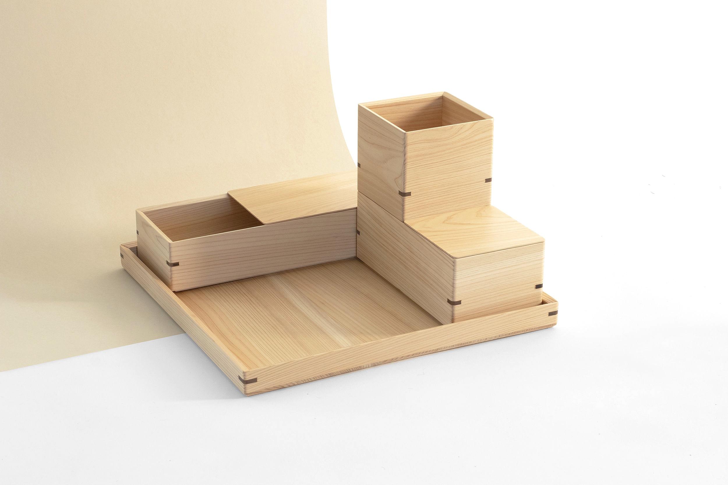 Atelier+Takumi+_+HAKO+Desk+storage+set+-+crafted+by+Toyooka+Craft+designed+by+Flavien+Delbergue3.jpg