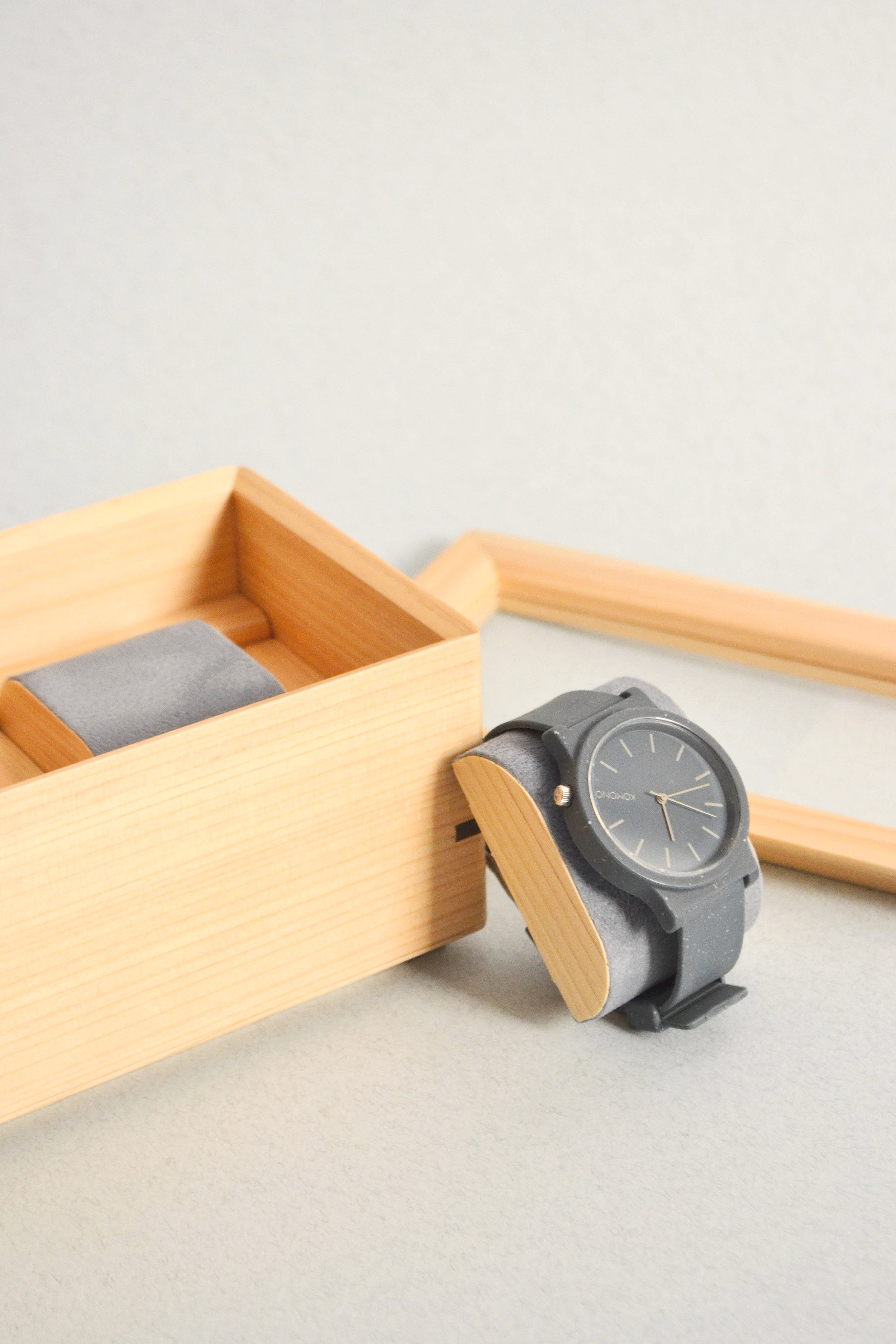 Atelier+Takumi+_+Watch+storage+Hako+-+crafted+by+Toyooka+Craft+designed+by+Flavien+Delbergue3.jpg