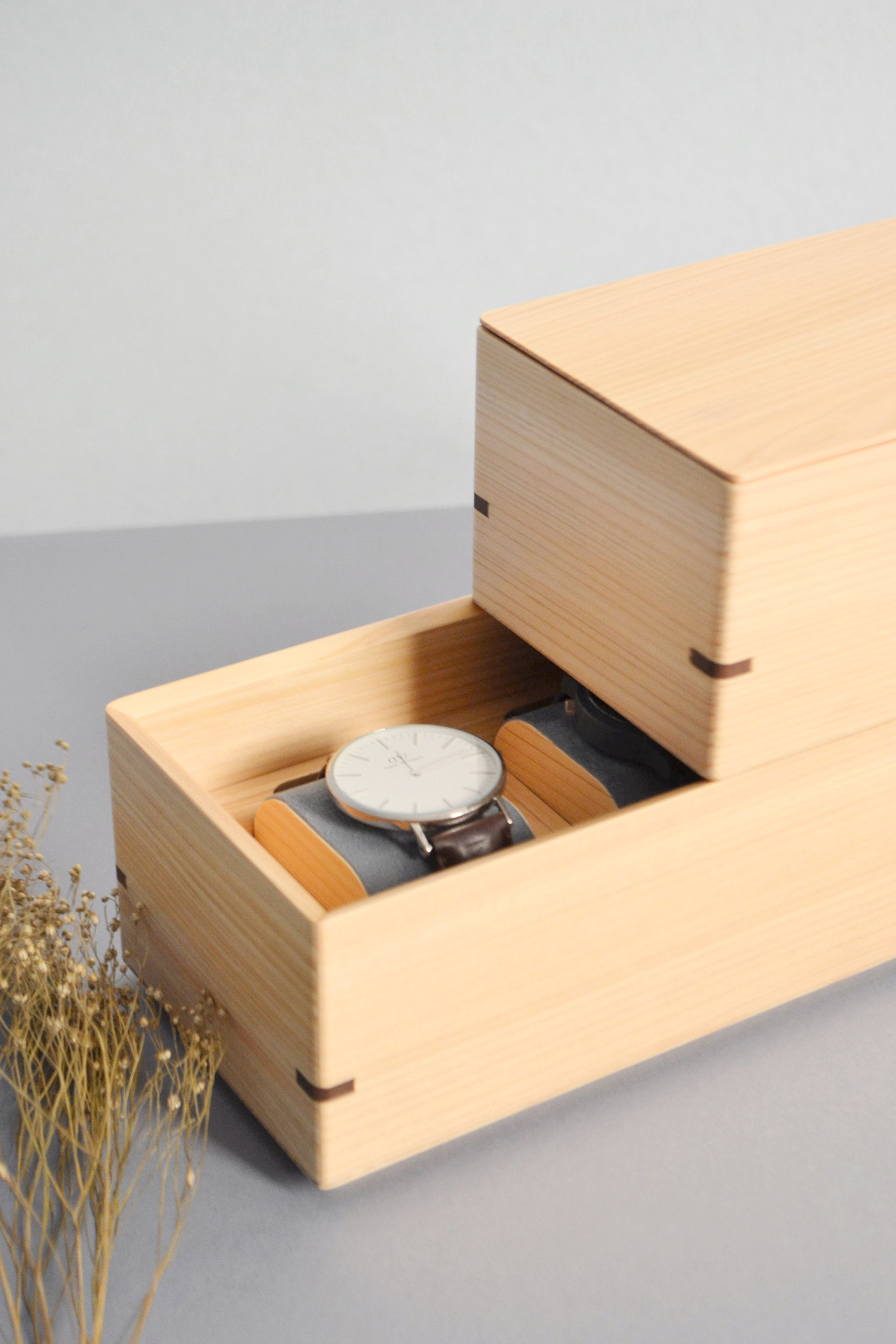 Atelier+Takumi+_+Watch+storage+Hako+-+crafted+by+Toyooka+Craft+designed+by+Flavien+Delbergue5.jpg