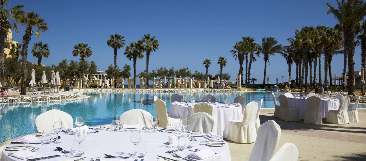 Hilton Event Poolside.jpg