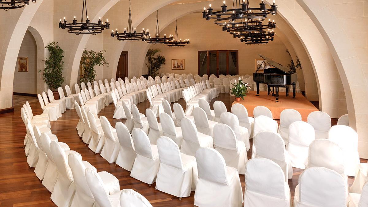 slider_kempinski-hotel-san-lawrenz-kapella-event-with-piano-3.jpg