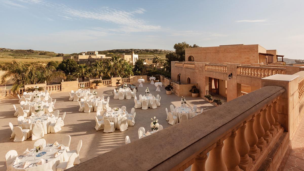 slider_kempinski-hotel-san-lawrenz-kappella-terrace-3.jpg