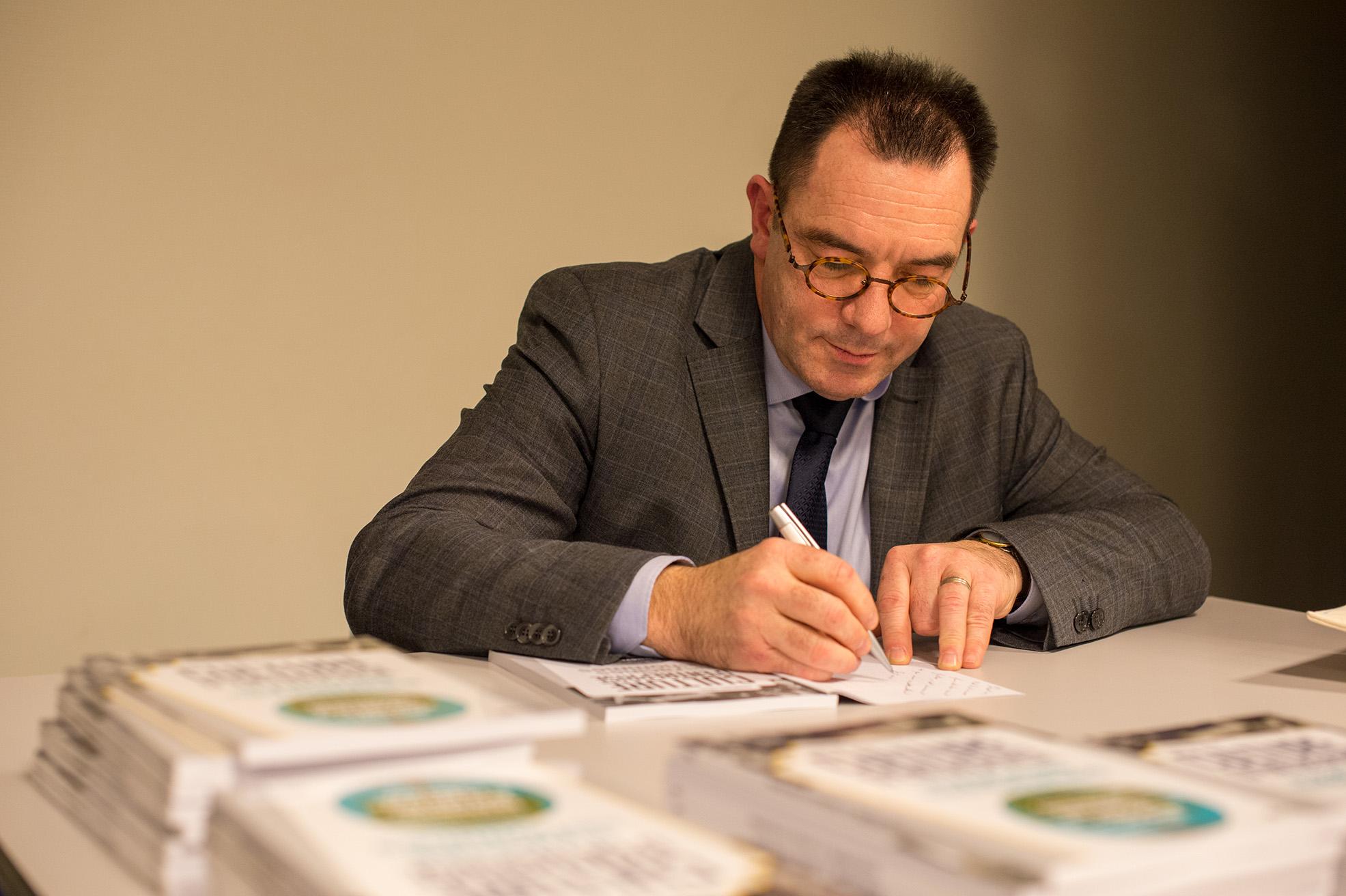 François-ENIUS-signature-BD.jpg