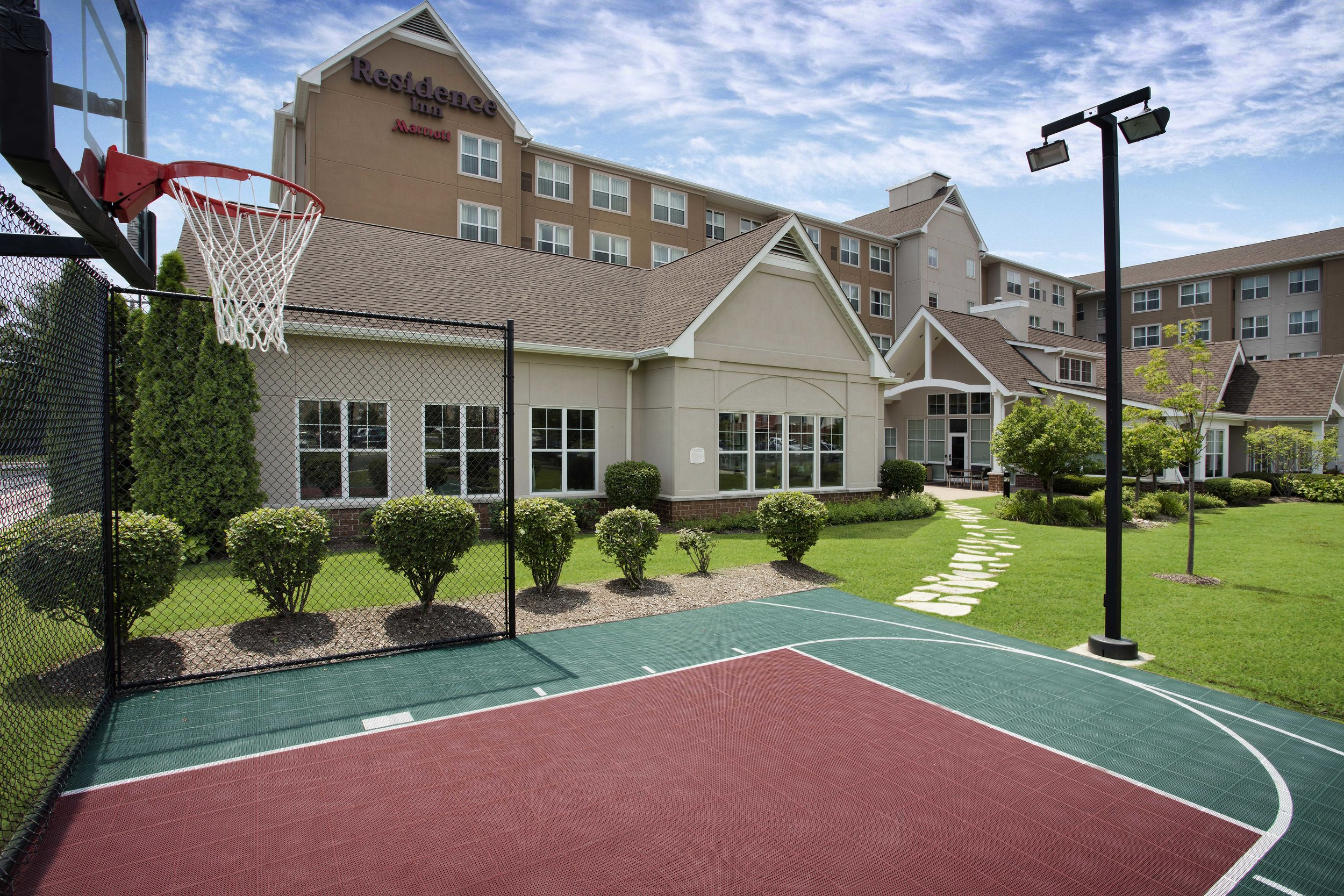 Residence Inn Chicago Midway Sport Court.jpg