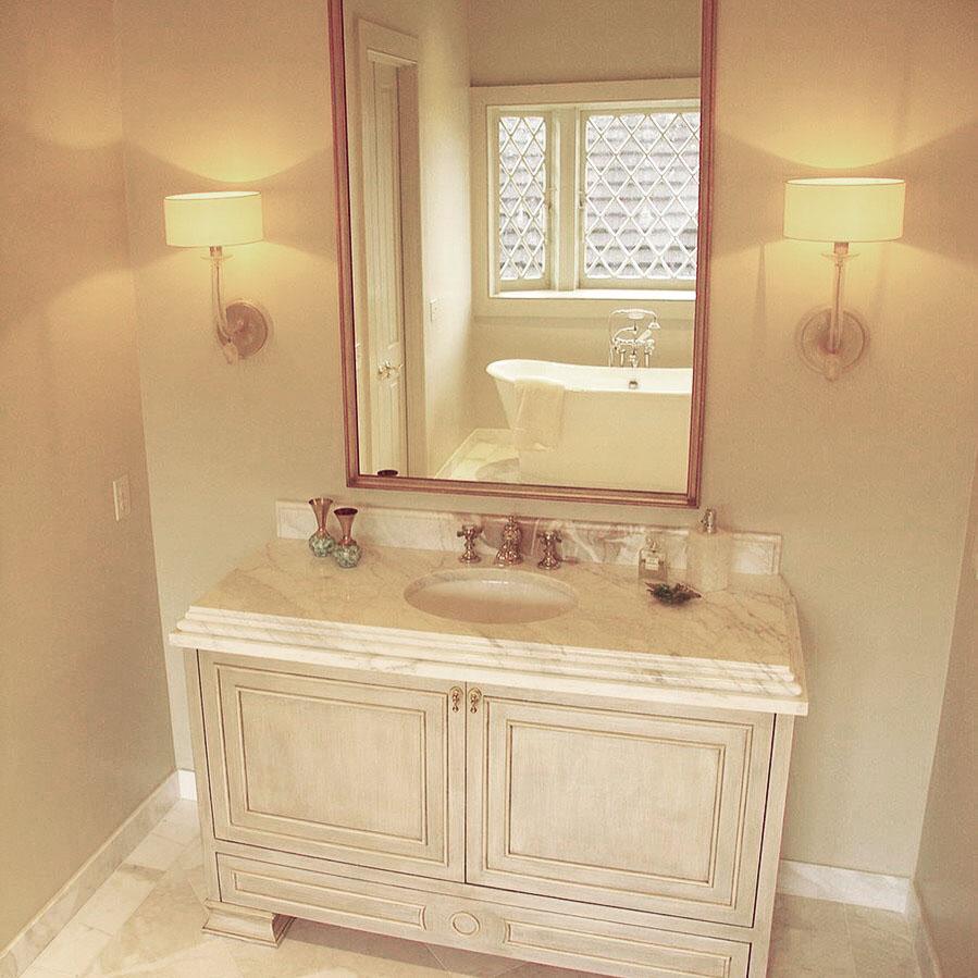 leanne bathroom.jpg