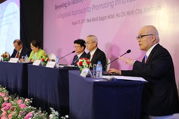 Hon. Keizo Takemi chairs closing panel