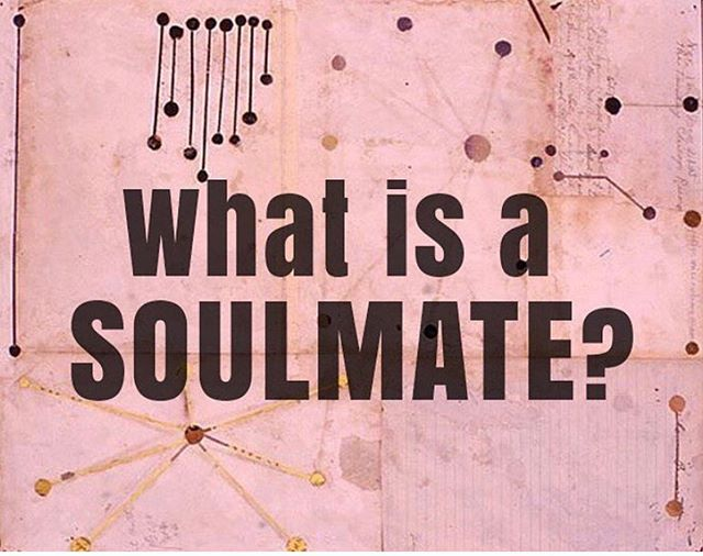Soulmates • Twin Flames • Kindred Spirits  Have you ever experienced the love of a twin flame? 🔥Do you believe in soulmates? This will 100% be an upcoming episode. Tell us in the comments your experiences! We might bring it up on the episode (with your consent of course 💋). Let us know!👇 📸 - el_ona_lily