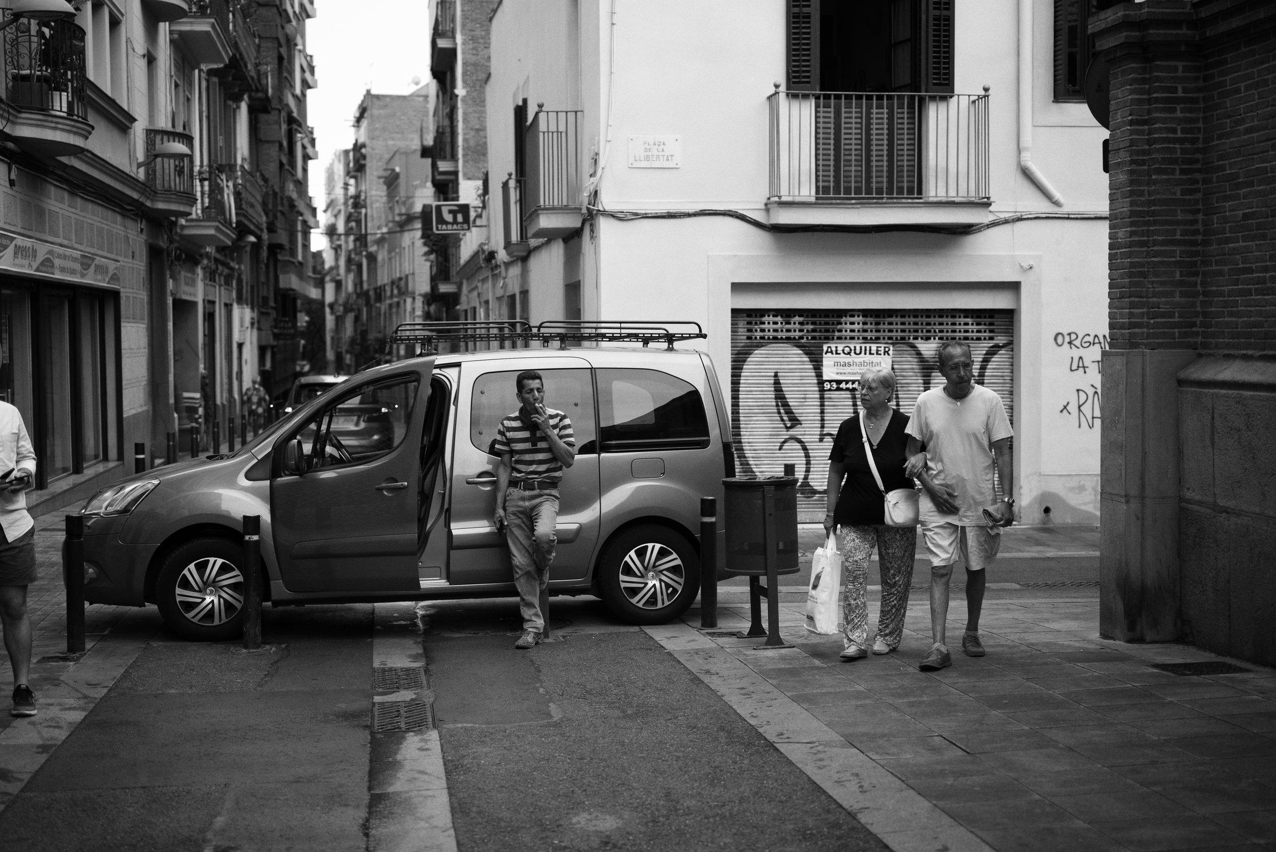 I need a smoke Barcelona, Catalonia, Spain Leica M (Typ 246) 50mm f/2.0 APO Summicron  © Keith R. Sbiral, 2018