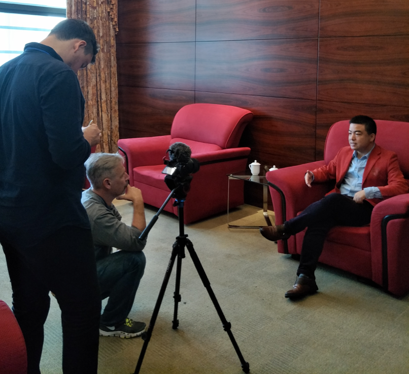 Interview with foreign media in Hainan