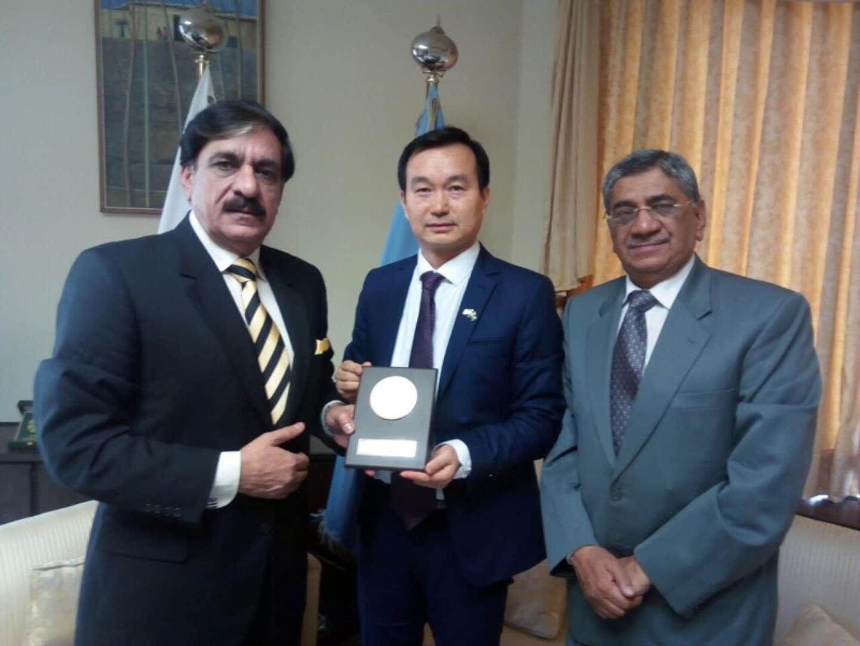 2018年2月28日在巴基斯坦伊斯兰堡总理府拜会巴基斯坦国家安全事务顾问The National Security Adviser Lt. General (retd) Nasser Khan Janjua .