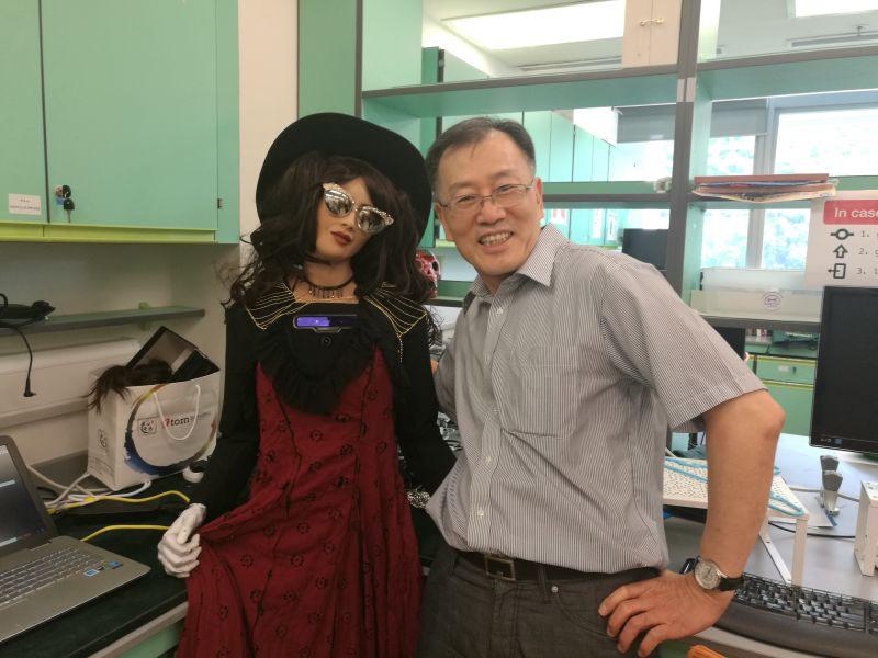 Visiting Hanson Robotics in Hong Kong Science Park (with humanoid robot Sophia)