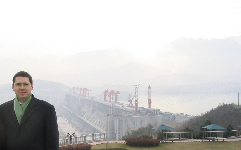History - Bruno at the Three Gorges Dam in 2002.jpg