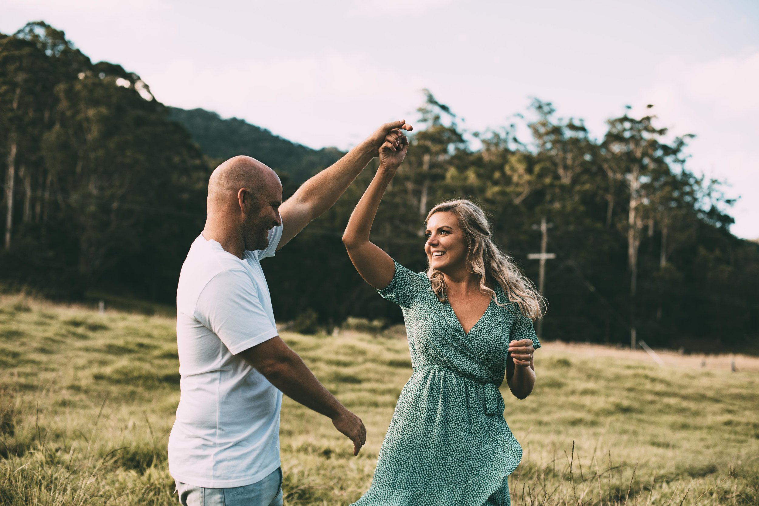 Trav and Emma - A beautiful afternoon spent in the back of Tallebudgera with rolling green fields and lots of laughs.