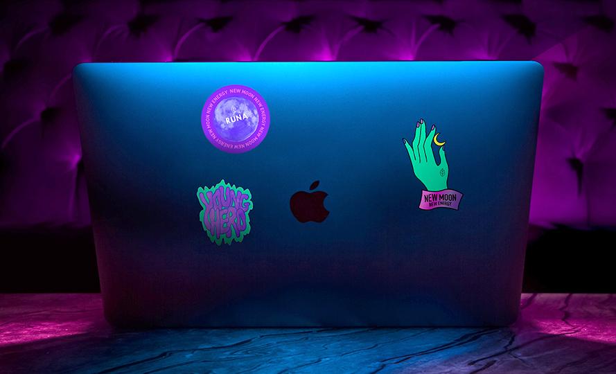 Runa - Sticker Laptop.png