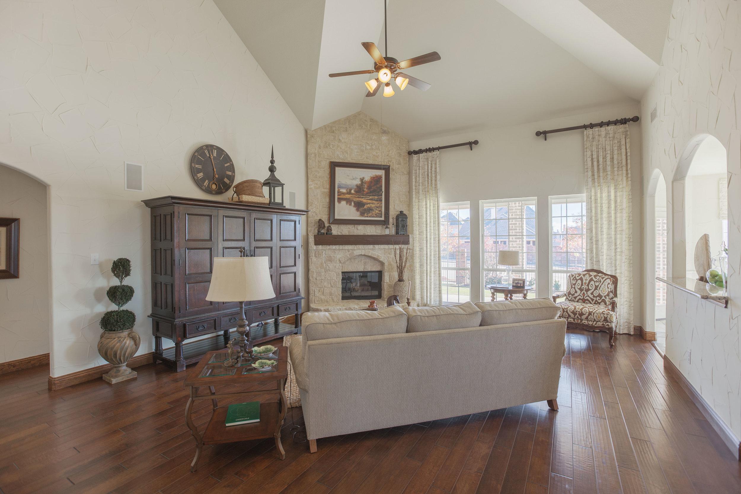 Llano Springs Int. Living Room.jpg