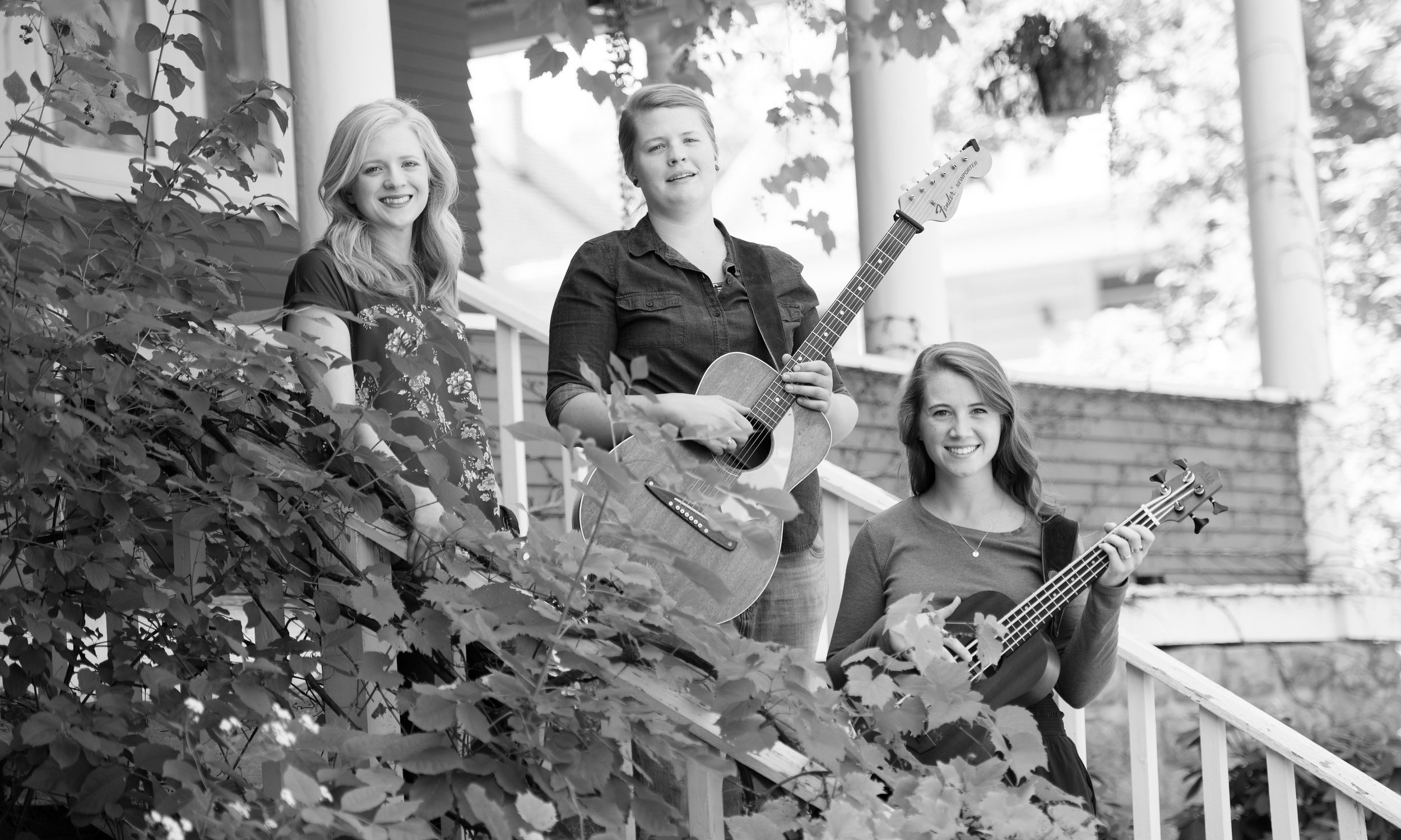 Cedarwood Revival - Trio harmonies with shades of bluegrass, folk and country, Cedarwood Revival