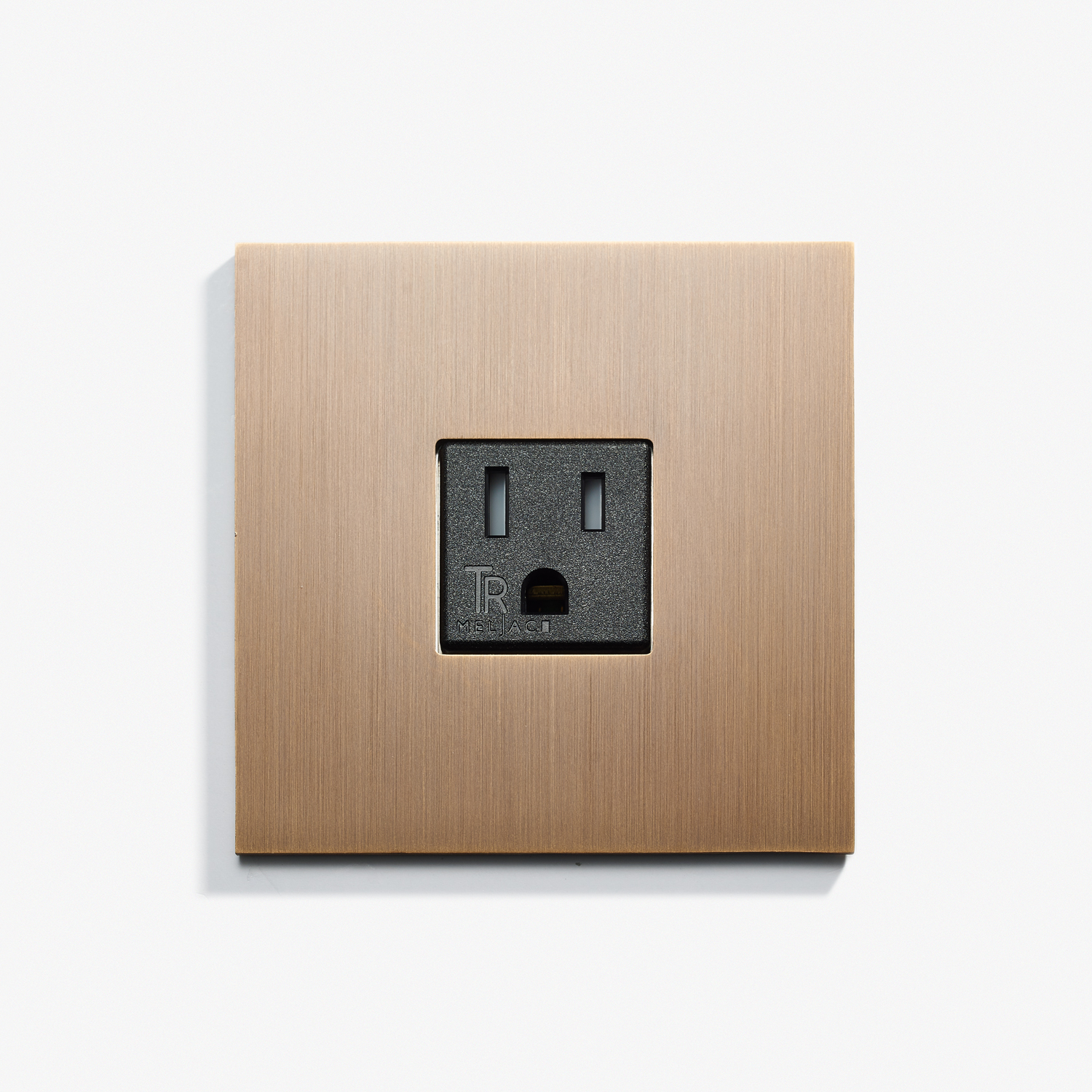 82 x 82 - Single Outlet - Screwless - Straight Edge - Bronze Médaille Allemand.jpg