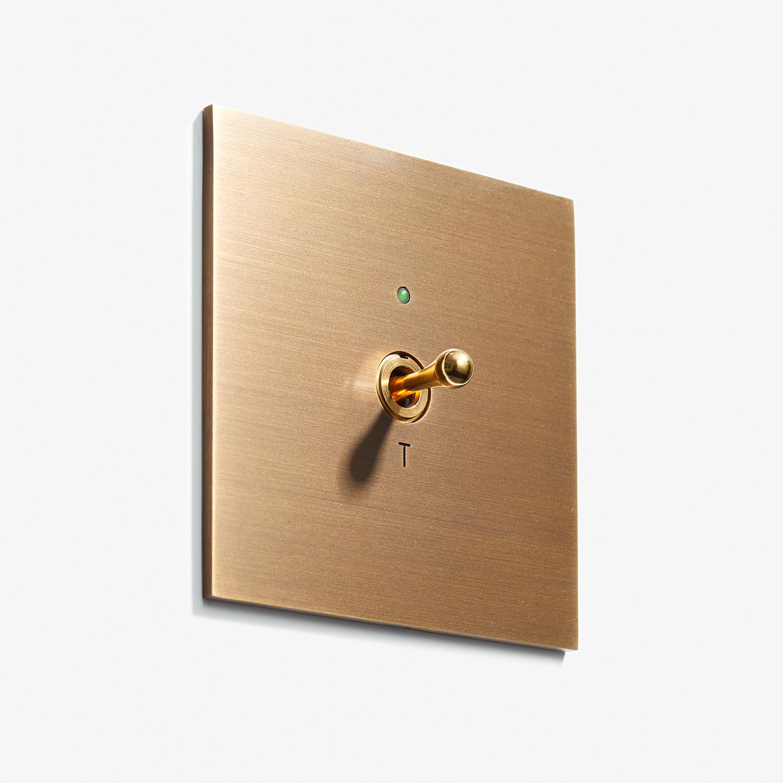 82 x 82 - 1 INV + D3 LED - Hidden Screws - Straight Edge - Bronze Medaille Allemand 2.jpg