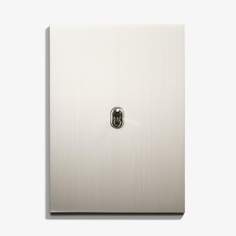 82 x 117 - 1 INV FP - Hidden Screws - Straight Edge - Nickel Brossé 1.jpg