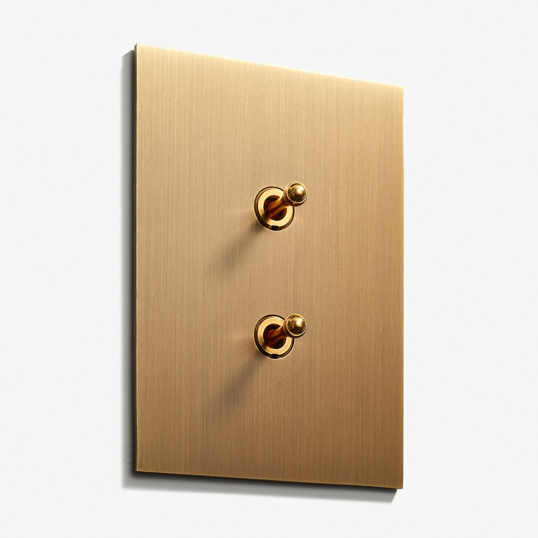 82 x 117 - 2 INV - Hidden Screws - Straight Edge - Bronze Médaille Allemand 2.jpg