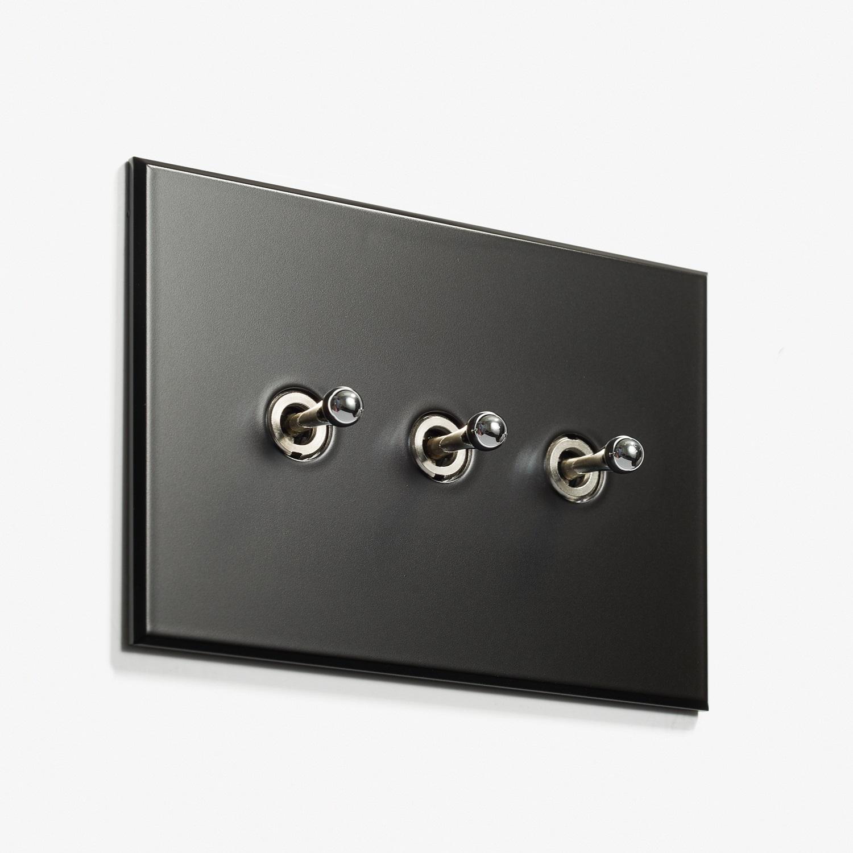 117 x 82 - 3 INV - Hidden Screws - Nickel Noire Mat 2.jpg