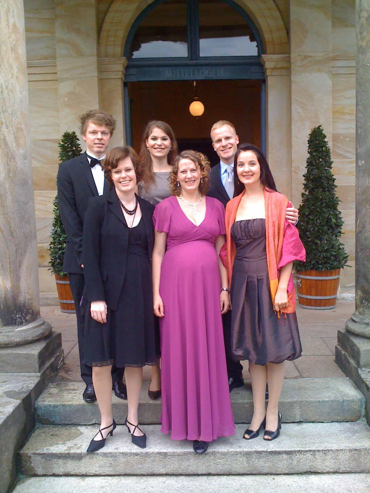 Von links nach rechts: Stefan Koim, Christina Desalm, Cordelia Katharina Weil, Hiltrud Kuhlmann, Dr. Ulrich Wilker, Csilla Csövári