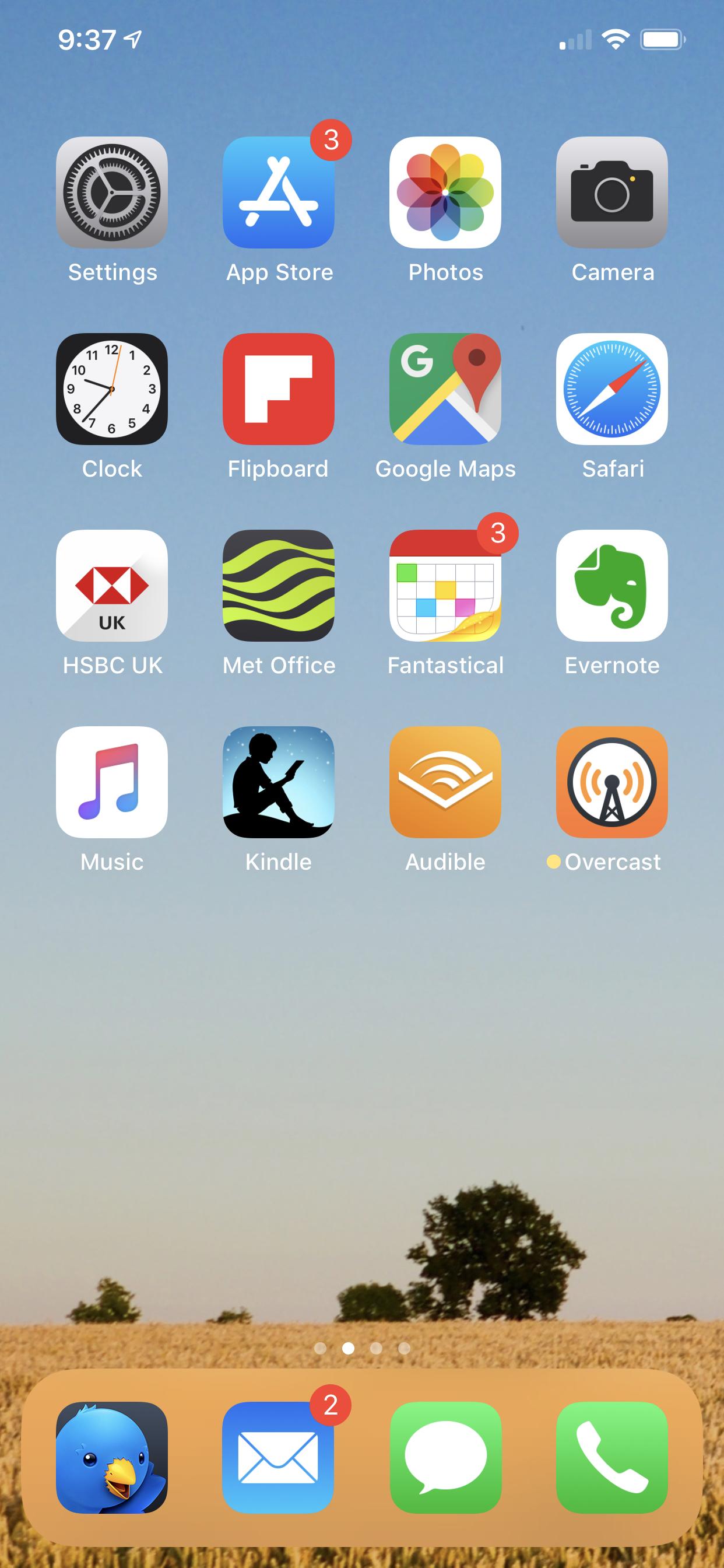 Kirk's iPhone home screen.