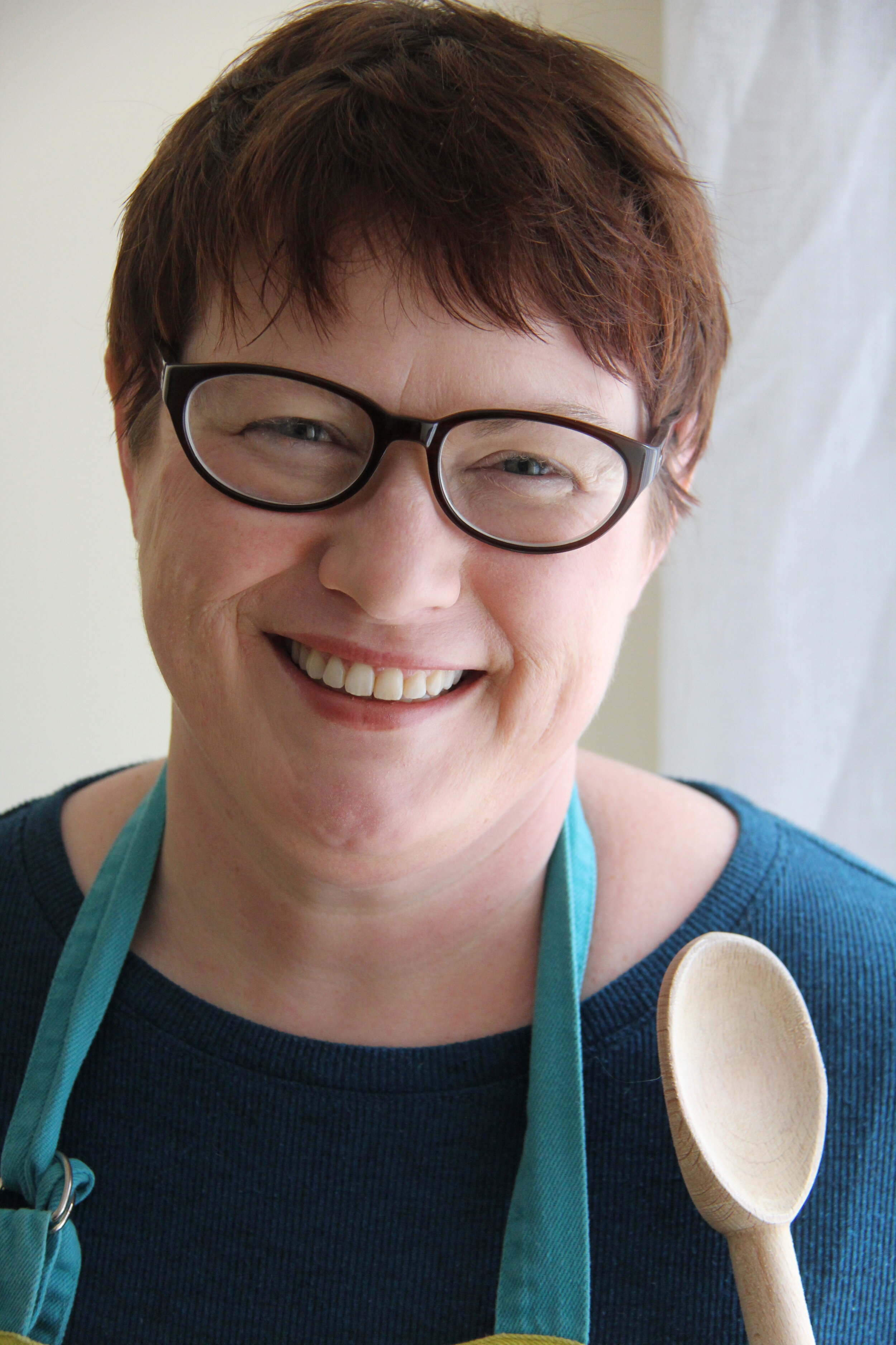 Elisabeth Bailey, author of The Make Ahead Sauce Solution cookbook | Didn't I Just Feed You, a food podcast for parents, even the ones who hate to cook