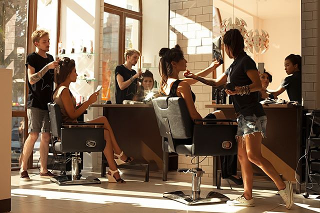 Looking to draw more clients to your salon or barbershop? Try these ideas to get customers in the door and keep them coming back!  Link on bio!  #klipped #stylist #comingsoon #barbershop #salon #santabarbara