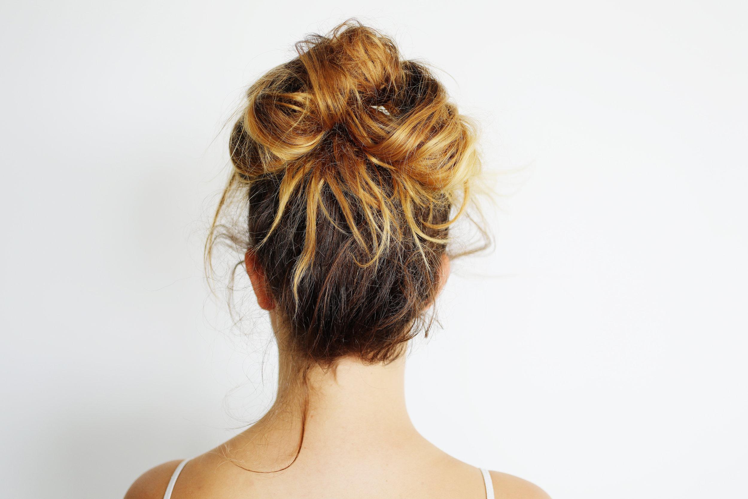 Messy-hairstyle-bun-need-klipped.jpg
