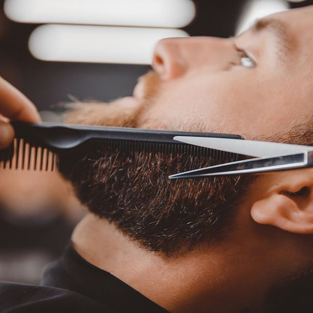 Nothing makes you feel more confident like a fresh beard trim and straight razor shave. Get to your local barber this week! 💈✂️ #haircutapp #klipped #beard #barber #barbershop #beardtrim #faceshave #style #haircut