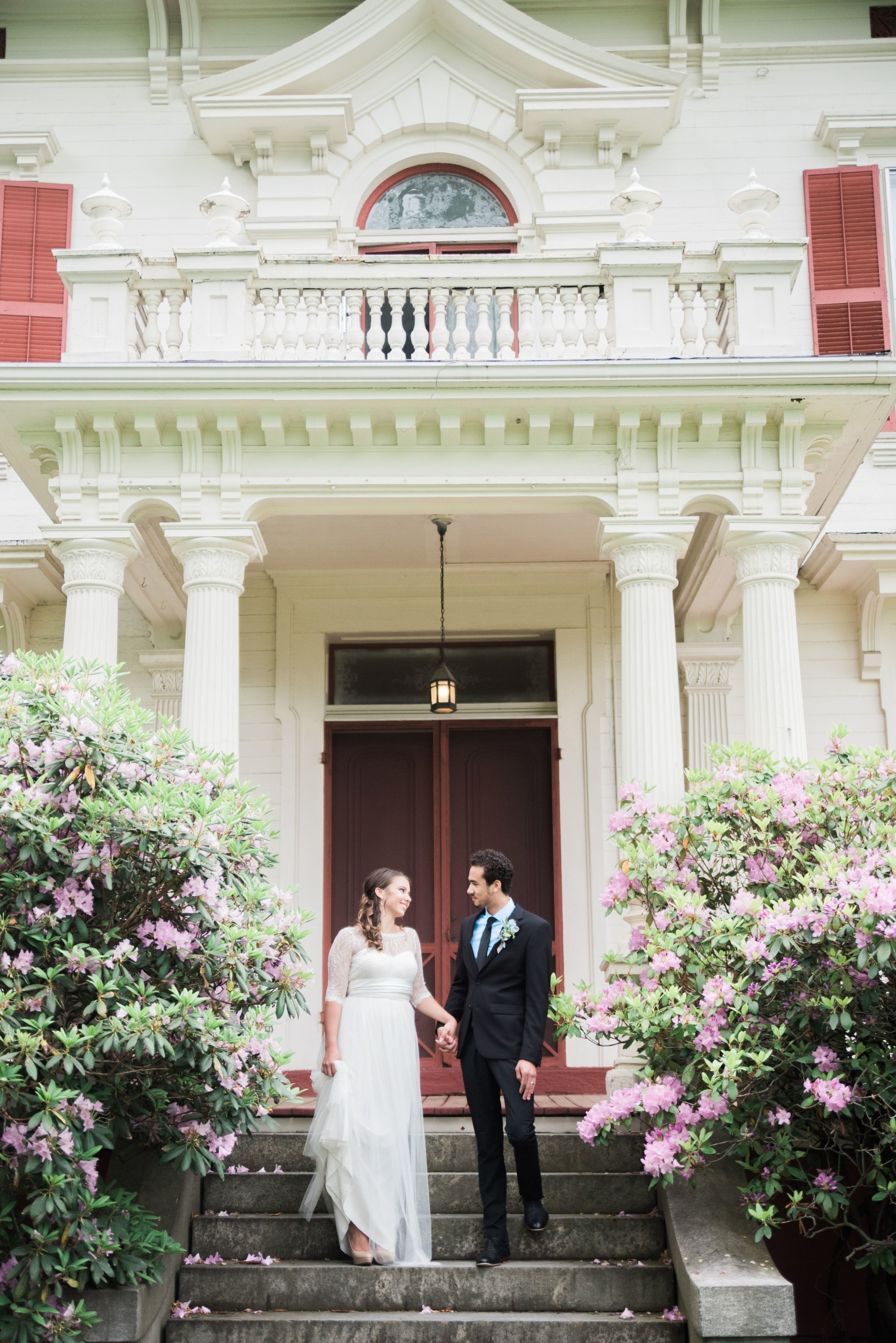 bride+and+groom+on+porch.jpg