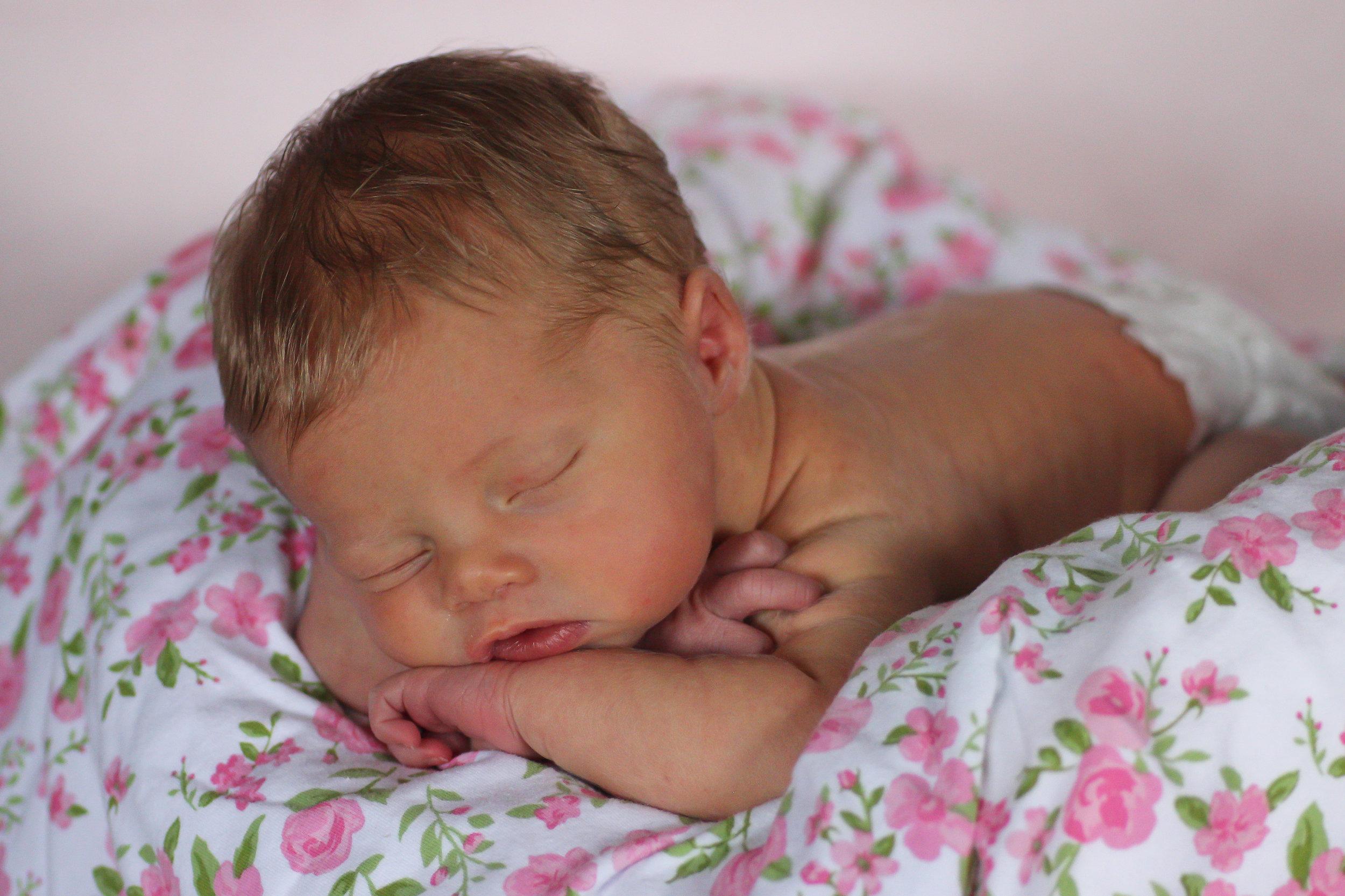 Audrey Newborn_-46.jpg