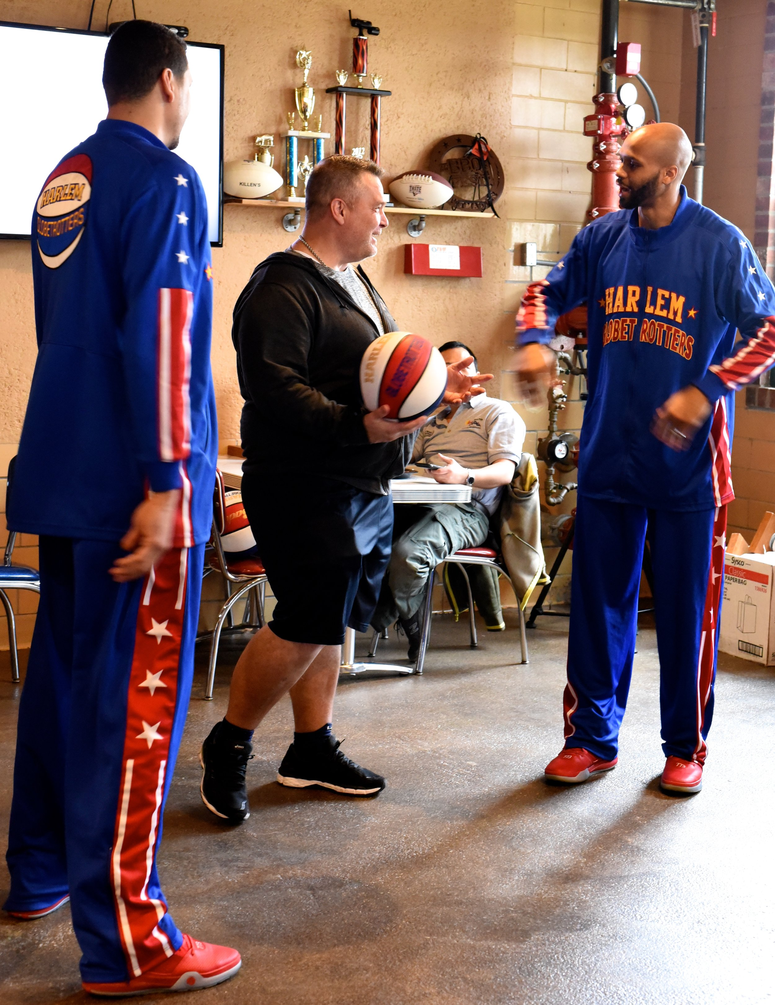 Harlem Globetrotters by Kimberly Park 01.27.16 (3).jpg