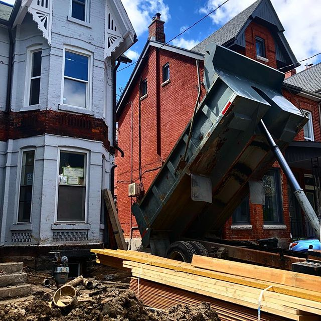 #underpinning this old #victorianhouse ... will be stunning !  #transforminghomes #renovation #architecture #restoration #toronto #infill #addition @inlinedesignbuild