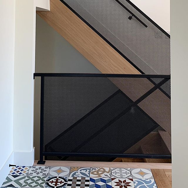 Finally able to see the beautiful news stairs at gardenvale ... great job @artmetaltoronto and @premierstairs  #interiordesign #transforminghomes #architecture #design #metal #guard #stairs #wood #custom #colour #tiles #newbuildhome