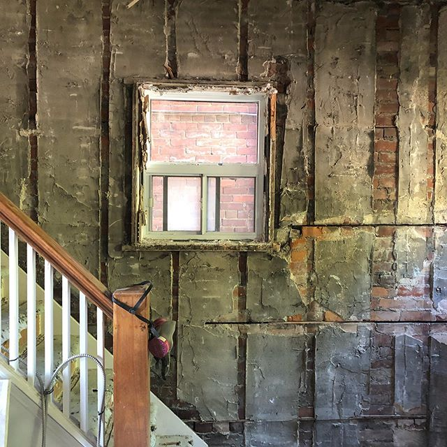 The main stair of the Davenport house ... before it goes!  #demolition #renovation #brickhouse #old #stairs #colour #design #transforminghomes #newel #architecture #interiordesign #interiors #designprocess #construction @inlinedesignbuild