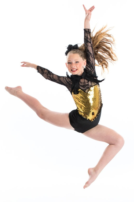 JAZZ - Jazz training emphasizes flexibility and rhythmic movement. Dancers will focus on strength, musicality, terminology, and technique.