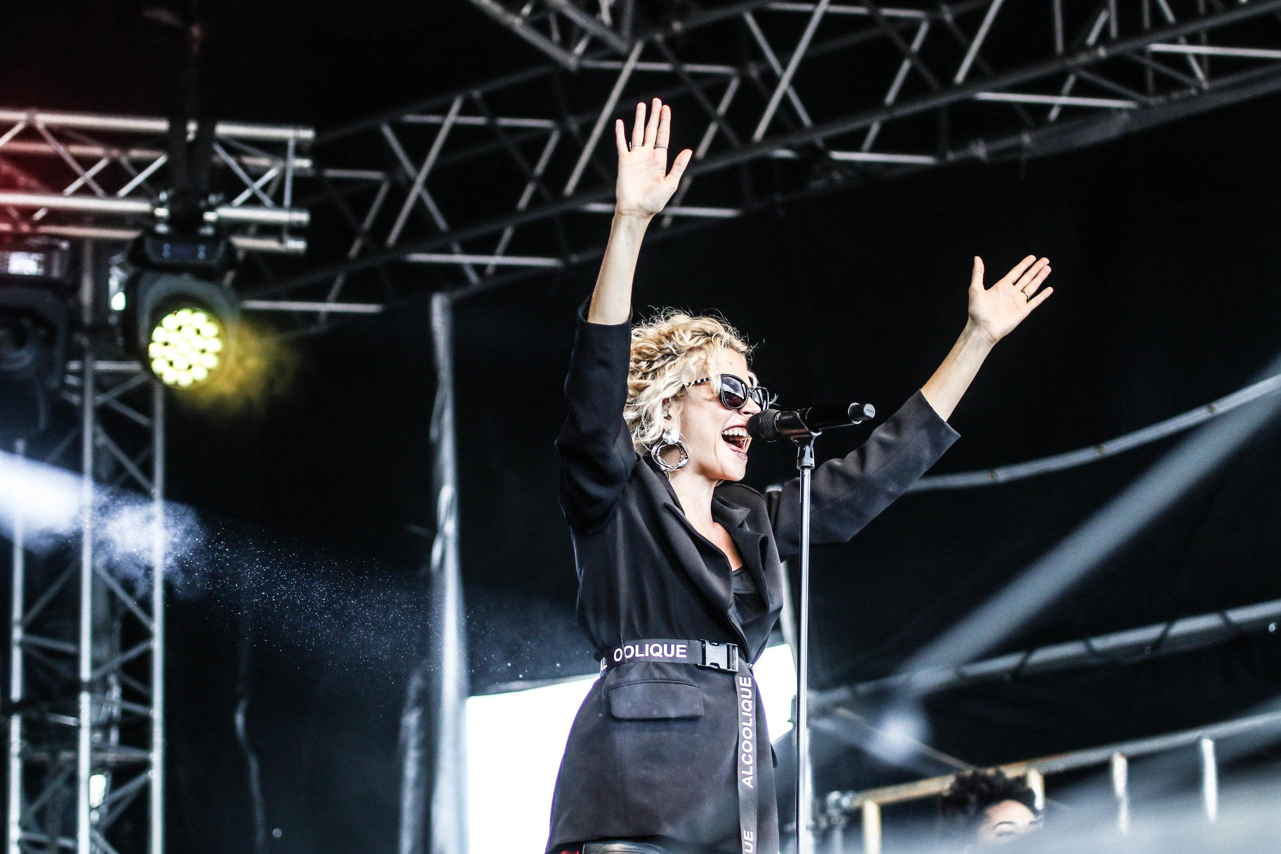 Pixie Lott - Bents Park - 08-07-18 - South Tyneside Festival-4.jpg